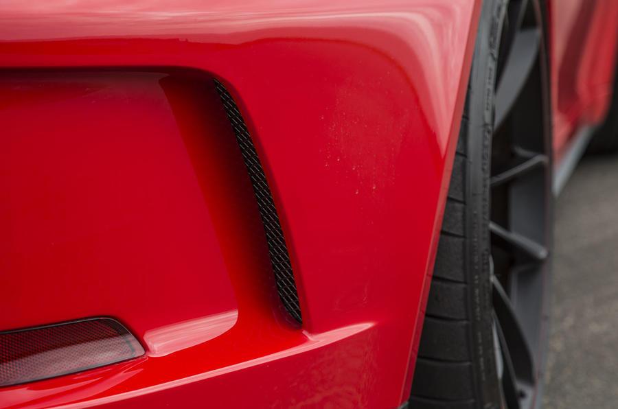 Porsche 911 GT3 rear air vents
