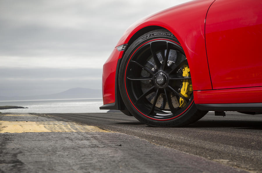 Porsche 911 GT3 alloy wheels
