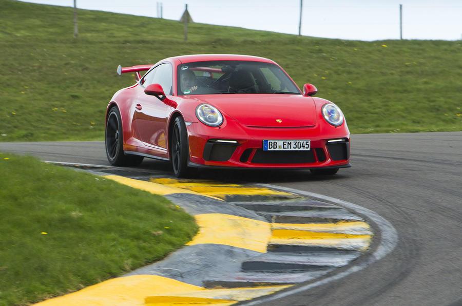 Porsche 911 GT3 cornering