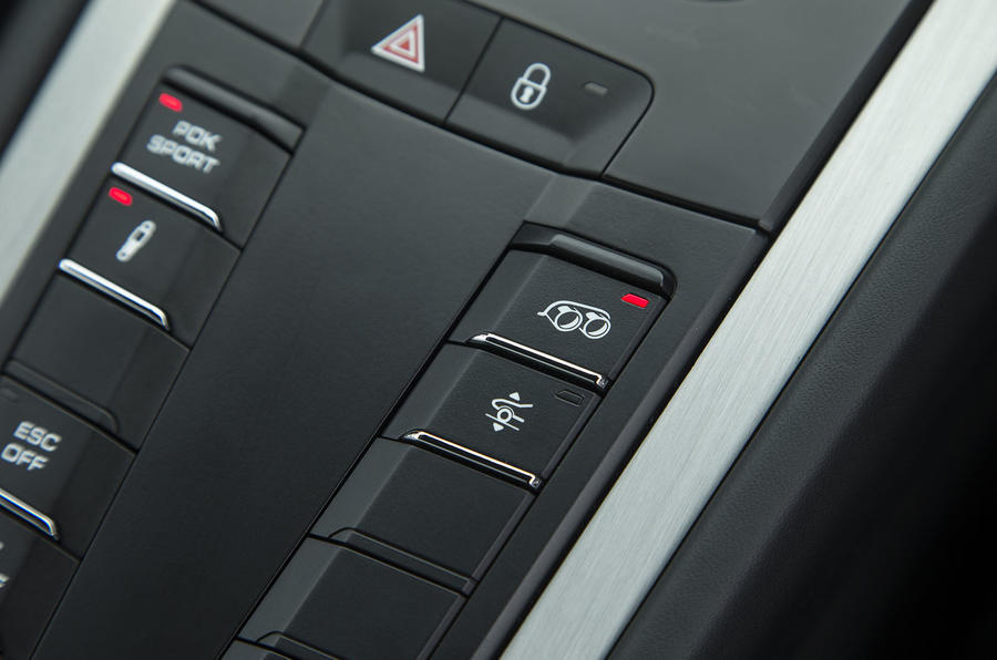 Porsche 911 GT3 exhaust control