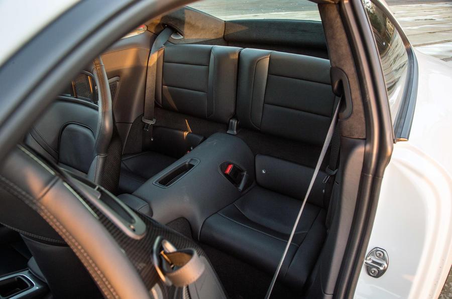 Rears seats in the Porsche 911