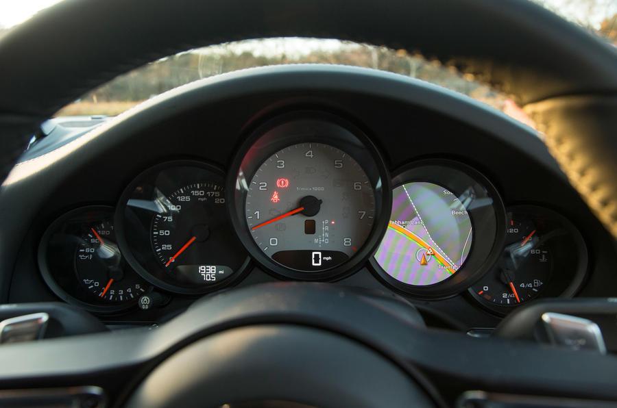Porsche 911 instrument cluster