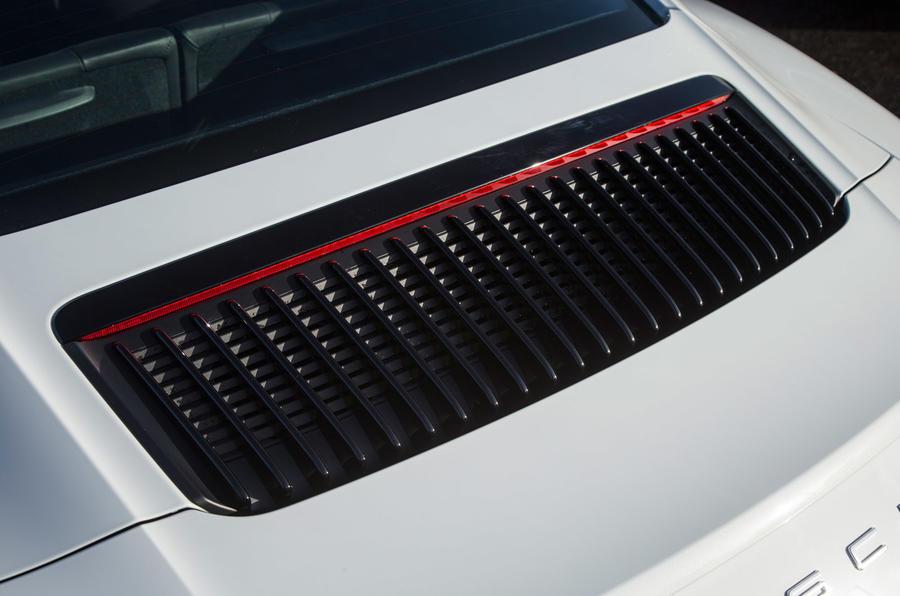 Porsche 911 engine ventilation