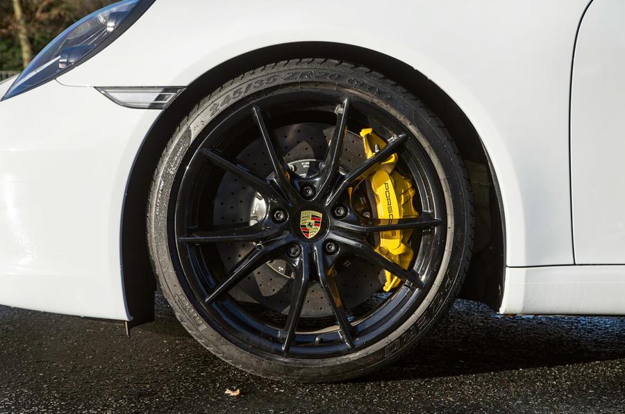 Porsche 911 Carrera S alloys