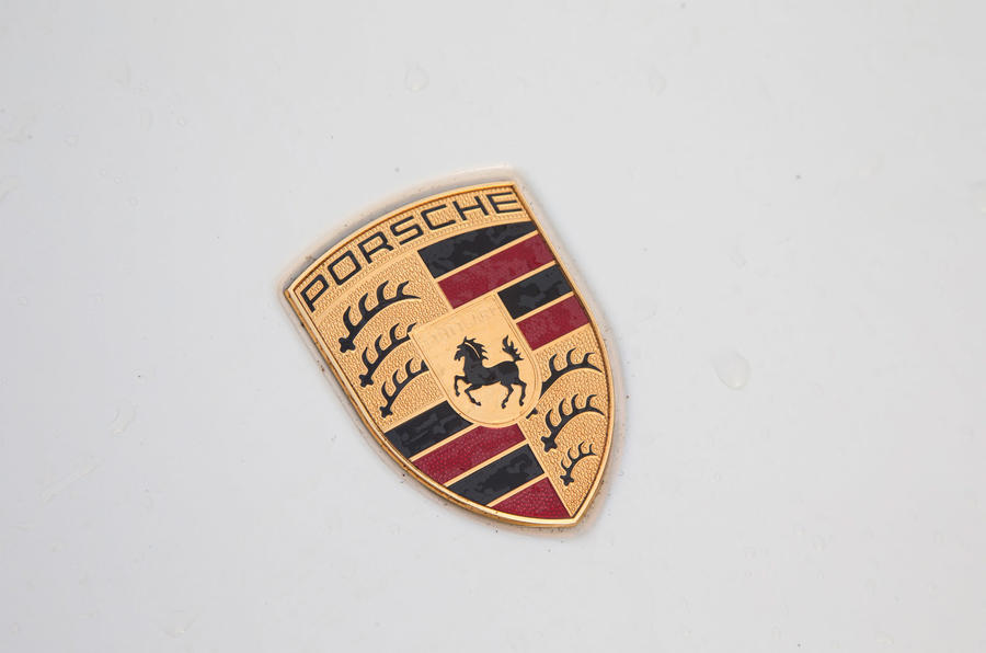 Porsche 911 enamel badge