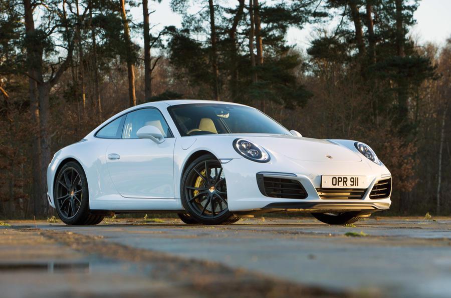 4.5 star Porsche 911 Carrera S