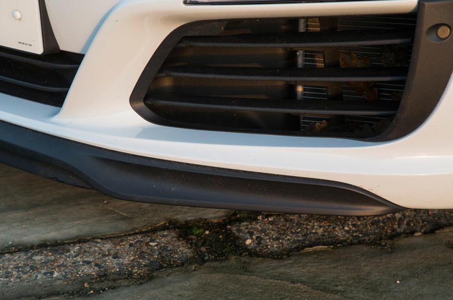 Porsche 911 front lip