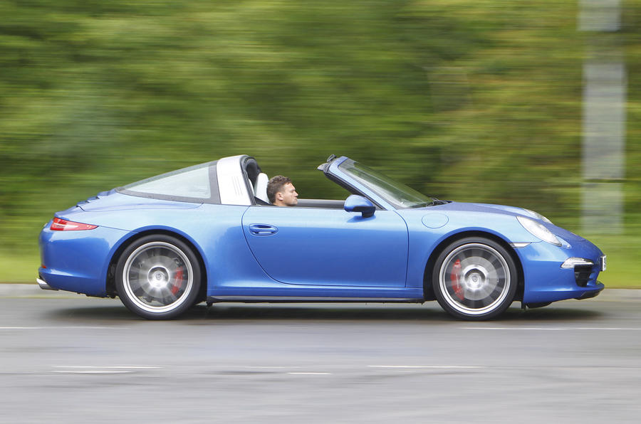 Rear-wheel drive Porsche 911 Targa