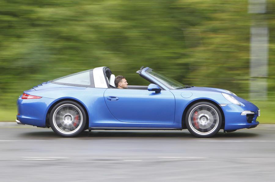 Rear-wheel drive Porsche 911 Targa