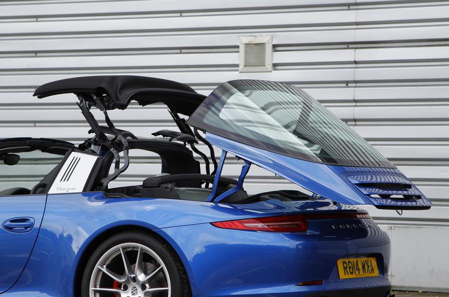 Porsche 911 Targa roof opening