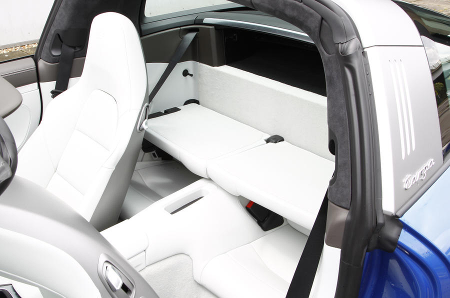 Porsche 911 Targa rear seats