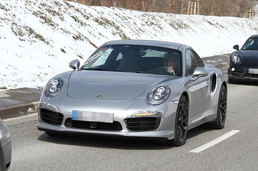Porsche 911 Turbo - first spy shots