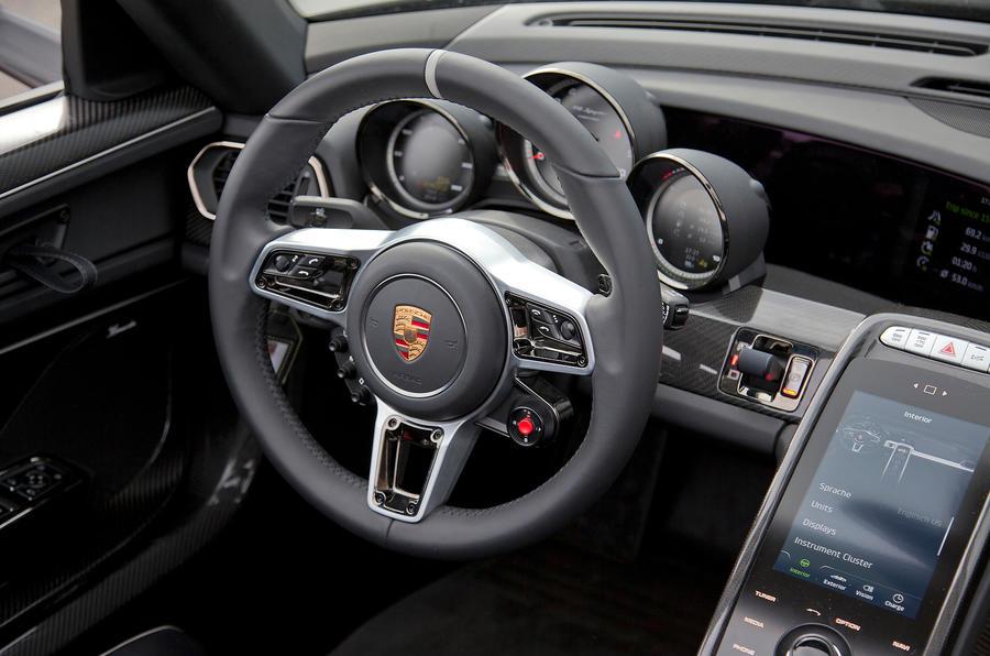 Porsche 918 steering wheel