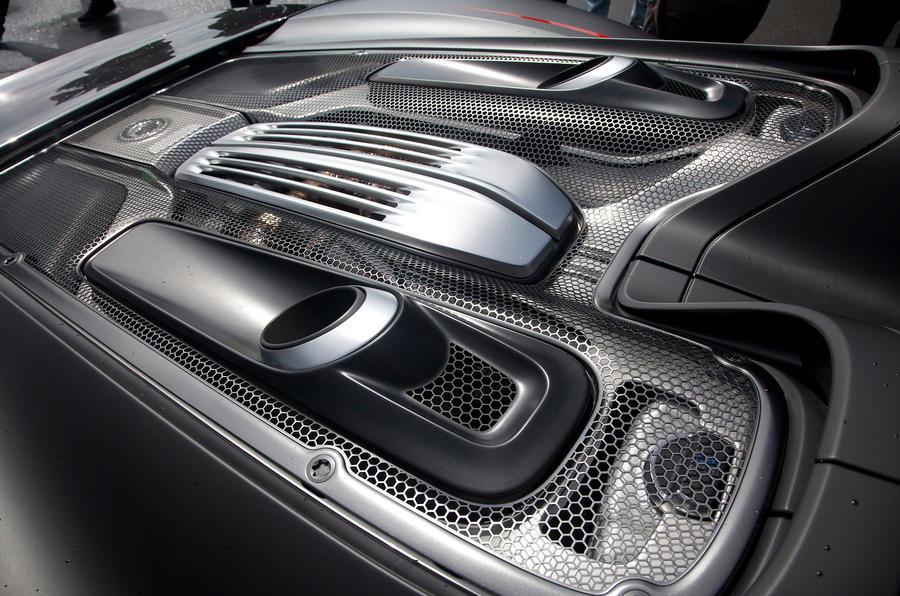 4.6-litre V8 Porsche 918 engine