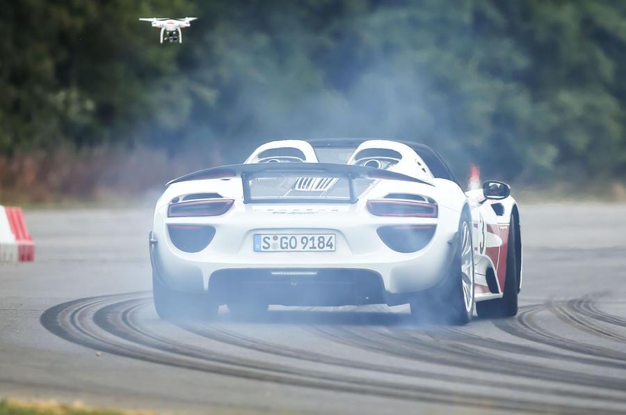 Porsche 918 Spyder rear cornering