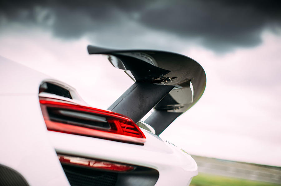 Porsche 918 Spyder rear wing