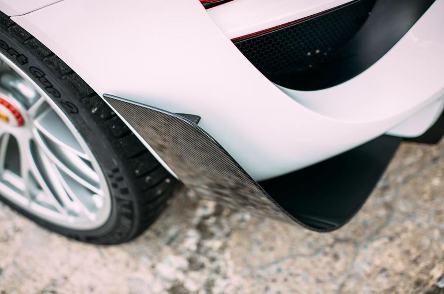 Porsche 918 Spyder rear aeroblades