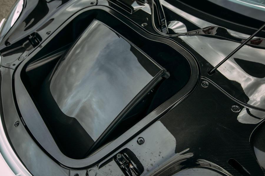 Porsche 918 Spyder Targa roof