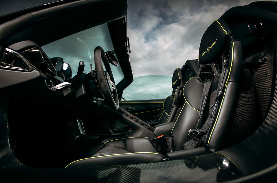 Porsche 918 Spyder sport seats
