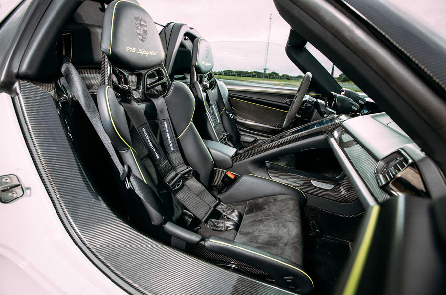 ... Porsche 918 Spyder ...