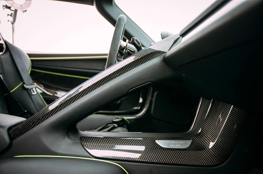 Porsche 918 Spyder centre console
