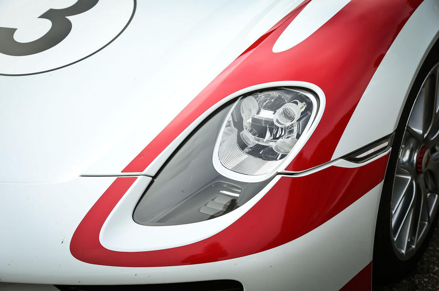 Porsche 918 Spyder headlights