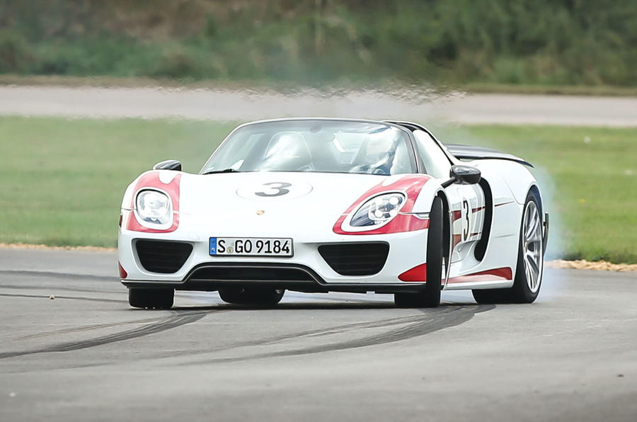 Porsche 918 Spyder hybrid hypercar