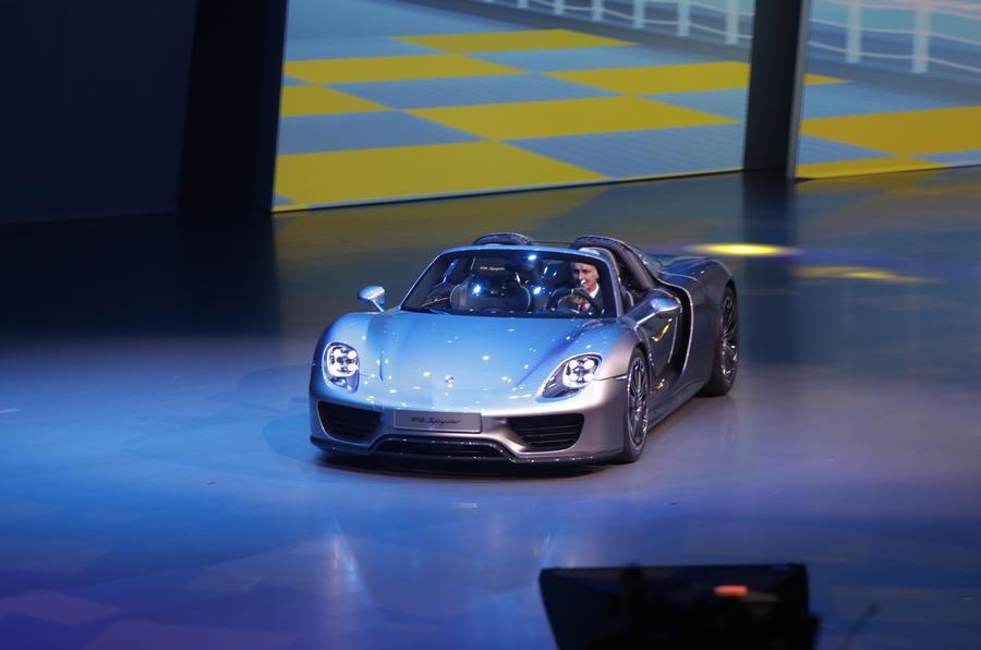 Porsche 918 Spyder unveiled