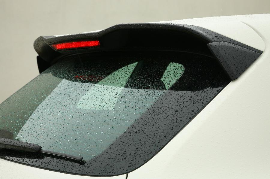 Porsche Cayenne roof spoiler