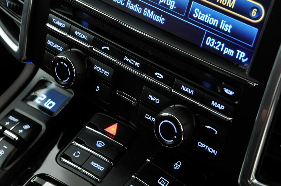 Porsche Cayenne climate controls