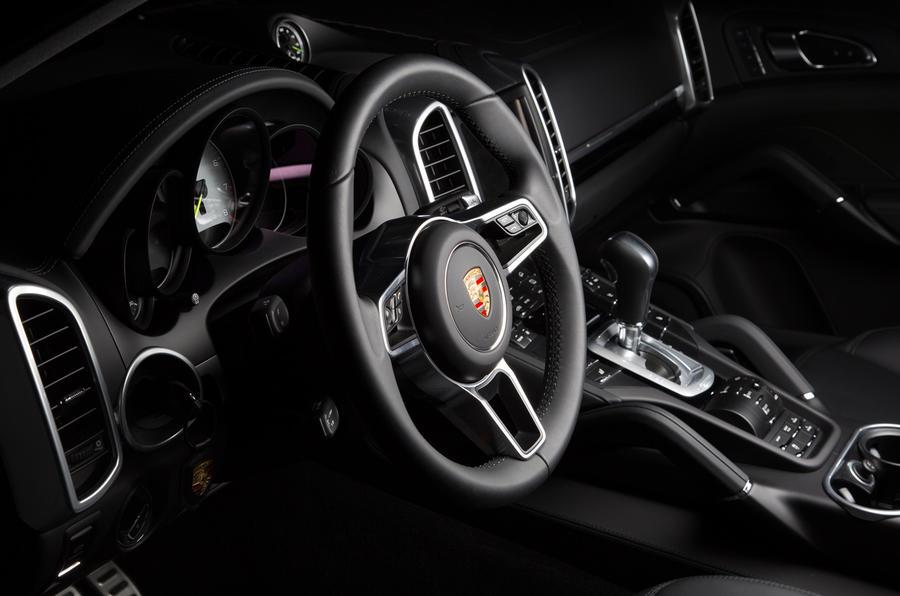 Porsche Cayenne S E-Hybrid interior