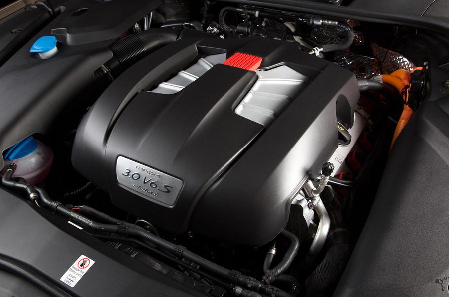 410bhp Porsche Cayenne S E-Hybrid engine