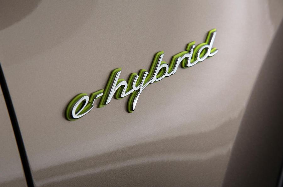 Porsche Cayenne S E-Hybrid badging