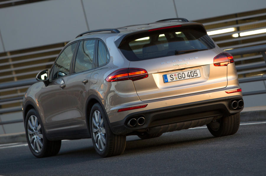 Porsche Cayenne S E-Hybrid rear end