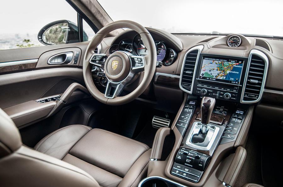2014 Porsche Cayenne S cabin