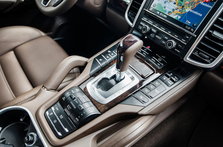 2014 Porsche Cayenne S diesel dynamic controls
