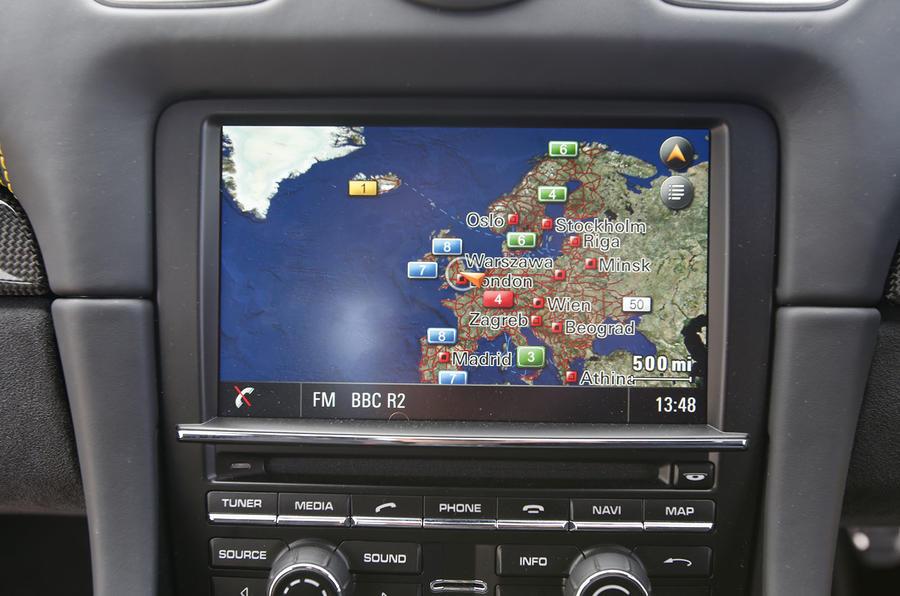 Porsche Cayman GT4 infotainment system