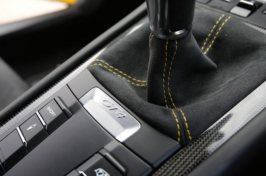 Porsche Cayman GT4 manual gearbox