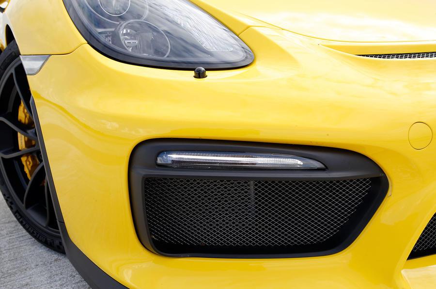 Porsche Cayman GT4 air intake