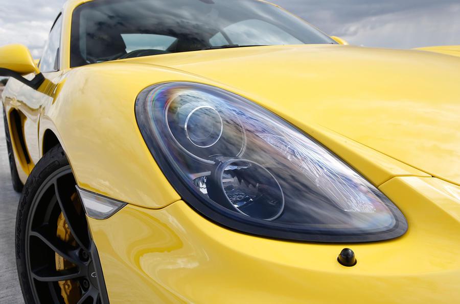 Porsche Cayman GT4 xenon headlights