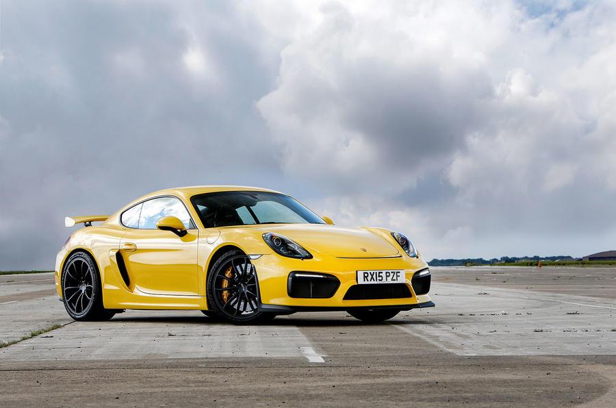 5 star Porsche Cayman GT4