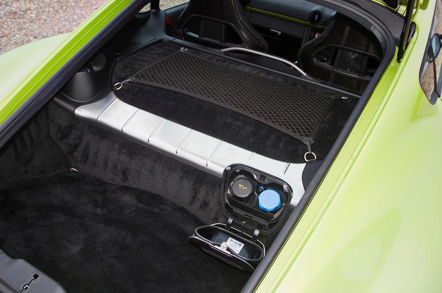 Porsche Cayman R boot space