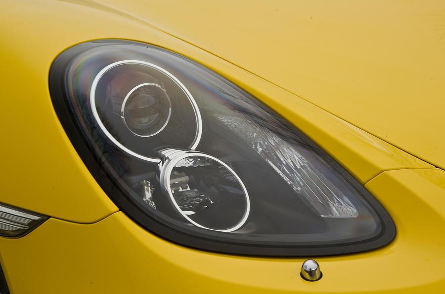 Porsche Cayman S bi-xenon headlights