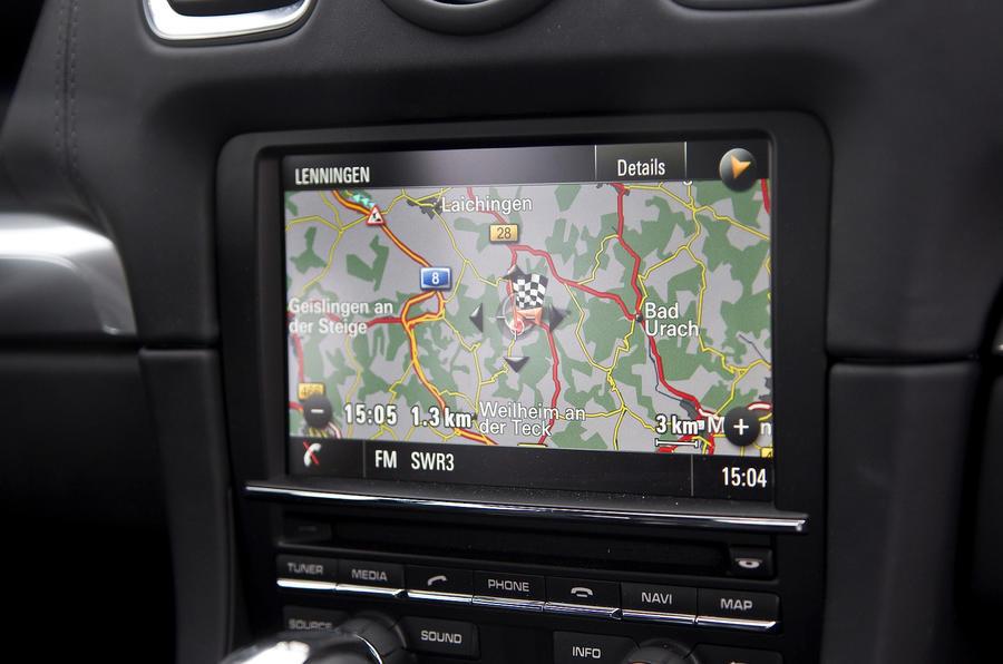 Porsche Cayman S infotainment system