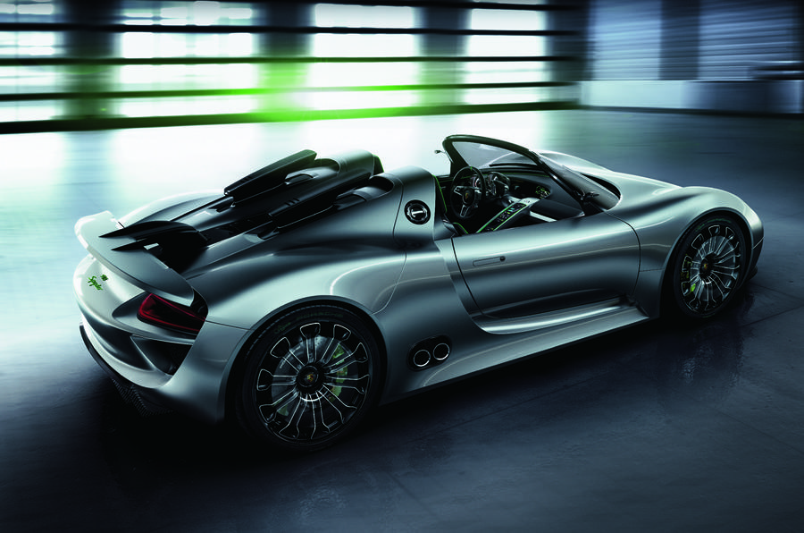 Porsche 918 set to race