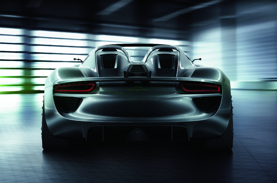 Porsche 918 set to race