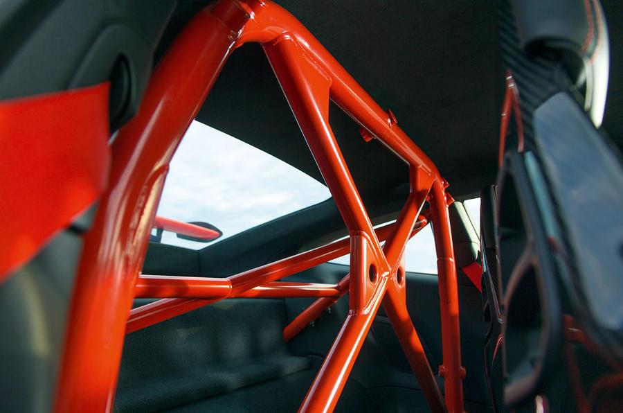Porsche 911 GT3 RS roll cage