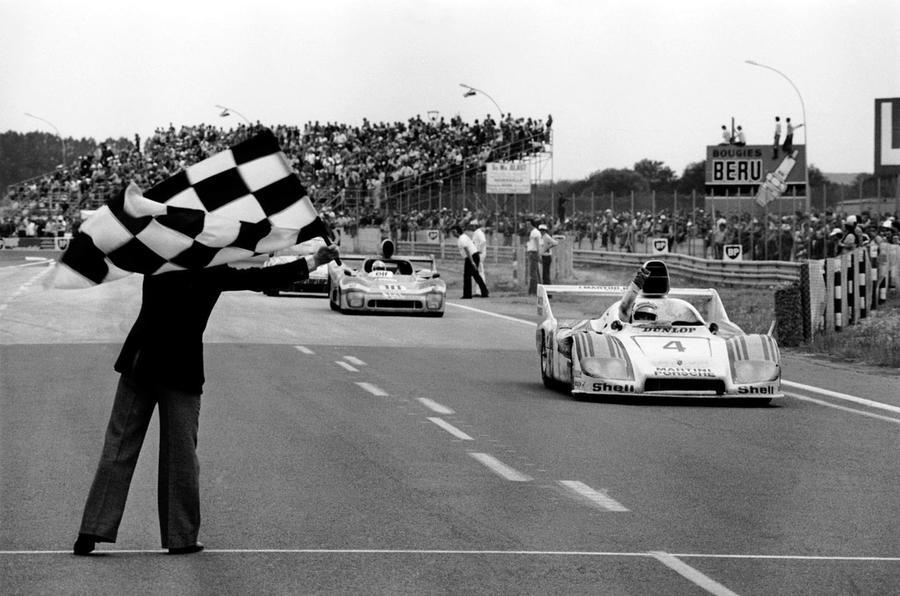Quick news: Honda's WTCC Civic, Porsche readies Le Mans cars