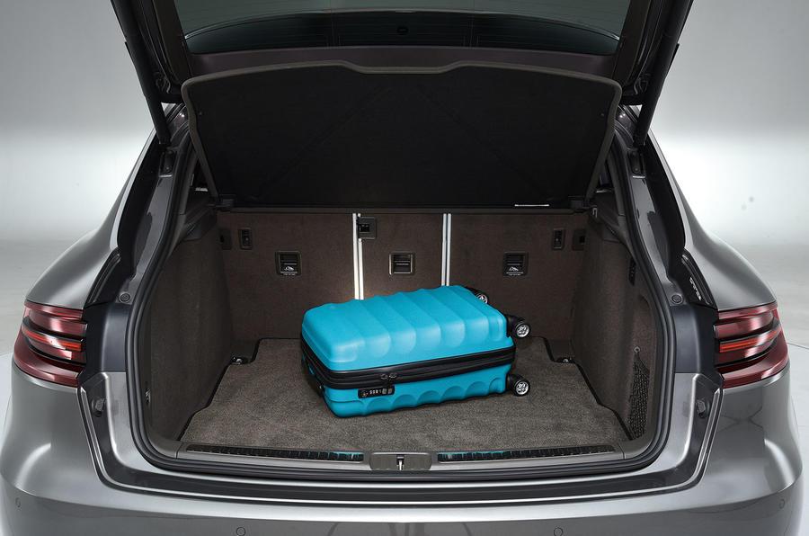 Porsche Macan Turbo boot space