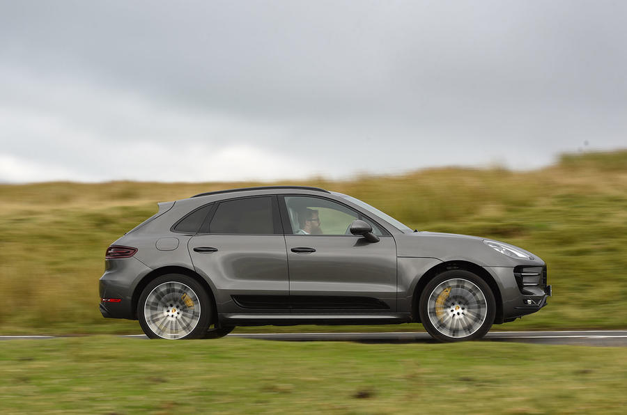 Porsche Macan Turbo side profile